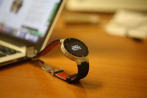 Alcatel one touch — смарт-часы без android wear, первое знакомство