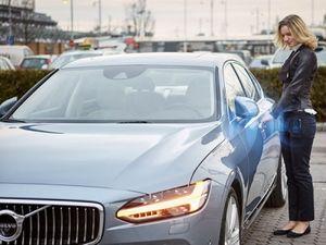 Автомобили volvo будут заводиться с помощью смартфона