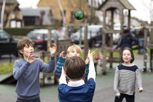 Hackaball: детский мячик для игр с компьютером внутри
