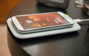 Как научить смартфон заряжаться без проводов