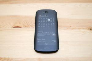 Контрольный пакет акций производителя yotaphone приобретён гонконгским холдингом