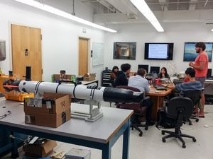 Лаборатория роботехники и девушки в сколково