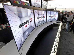 Lg демонстрирует свой первый oled-телевизор с изогнутым экраном