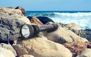 Многофункциональный мощный фонарь с яркостью в 1200 люмен и возможностью изменения габаритов