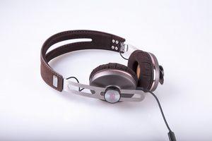 Музыка в современном стиле: обзор наушников sennheiser momentum 2 on-ear