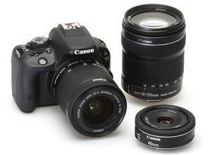 Nikon представила новую линейку компактных фотокамер сезона весна-лето 2011