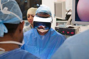Первая хирургическая операция в режиме vr-online