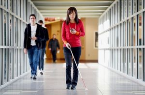 Приложение от ibm помогает людям с проблемным зрением ориентироваться в пространстве