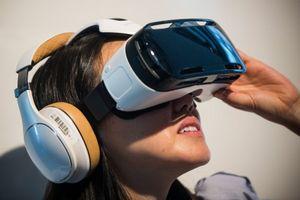Разлом четвертой стены в виртуальной реальности