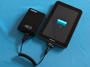 Розетка в кармане: обзор комплекта energizer xp8000ak