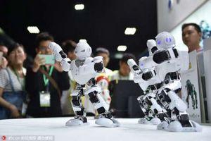 Сделано в китае #17: танцующие роботы, борьба со слухами и многое другое