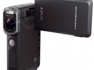 Sony представляет водонепроницаемую видеокамеру handycam hdr-gw66e