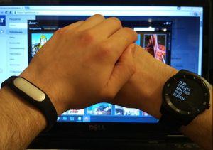 Умные часы или умный браслет? взвешиваем плюсы и минусы на примере xiaomi и lg