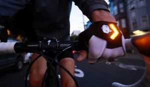 Велосипедные перчатки zackees повышают безопасность велосипедиста на дороге